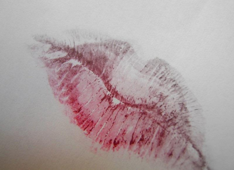 lipstick-mark