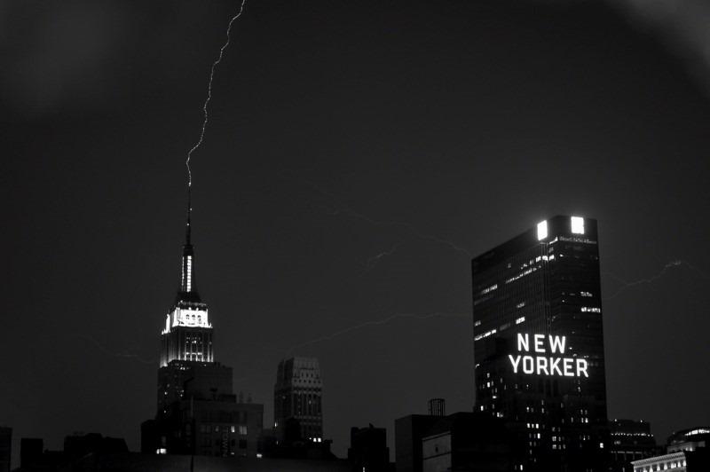 empire-state-lightning