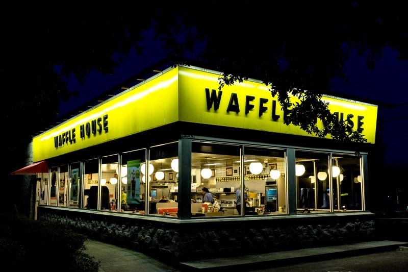 waffle-house-at-nigh2-t